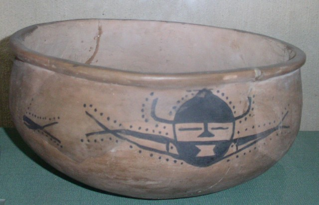 Painted pottery, Yangsaho culture, ca 5000-2500 BCE. Photo Magnus Reuterdahl